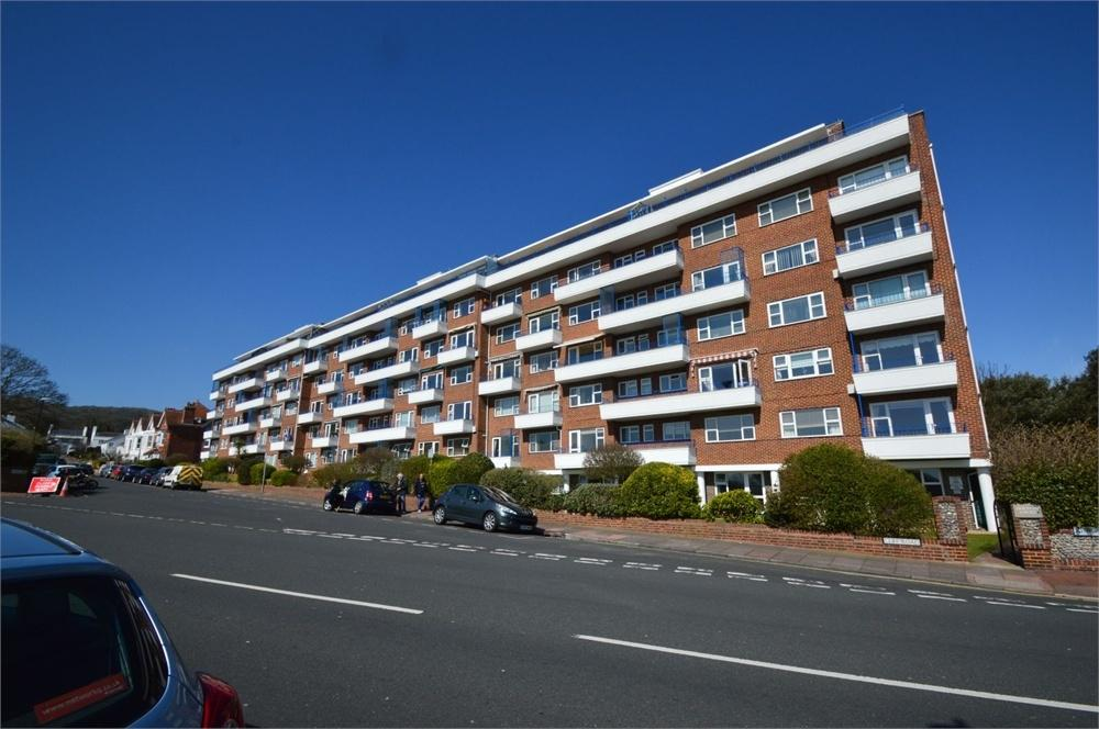 2 Bedrooms Flat for sale in Cliff Road, Meads Seafront, East Sussex