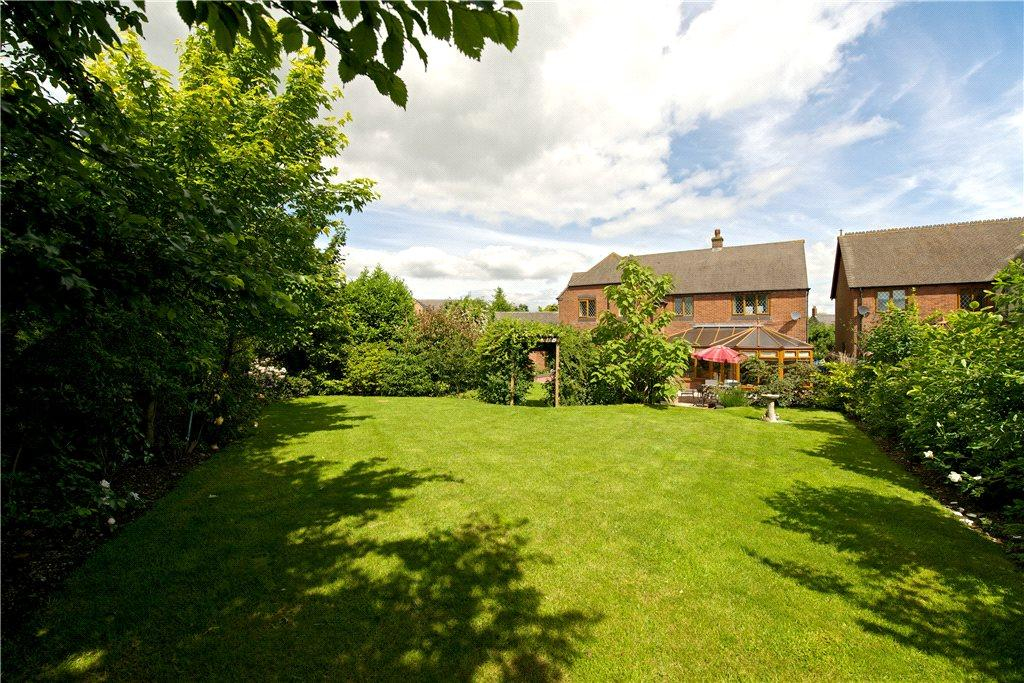 5 Bedrooms Detached House for sale in Alice Court, Crick, Northampton, Northamptonshire