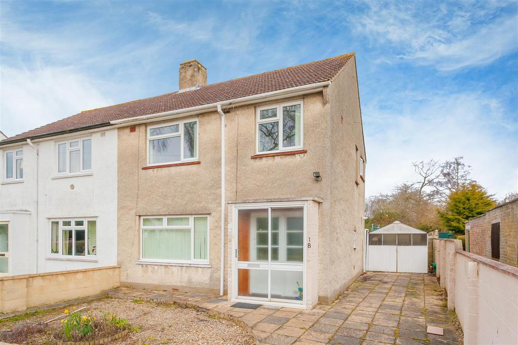 3 Bedrooms Semi Detached House for sale in Arlington Drive, Marston