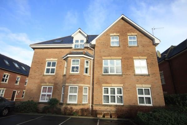 2 Bedrooms Apartment Flat for sale in Richmond Park Road, Bournemouth