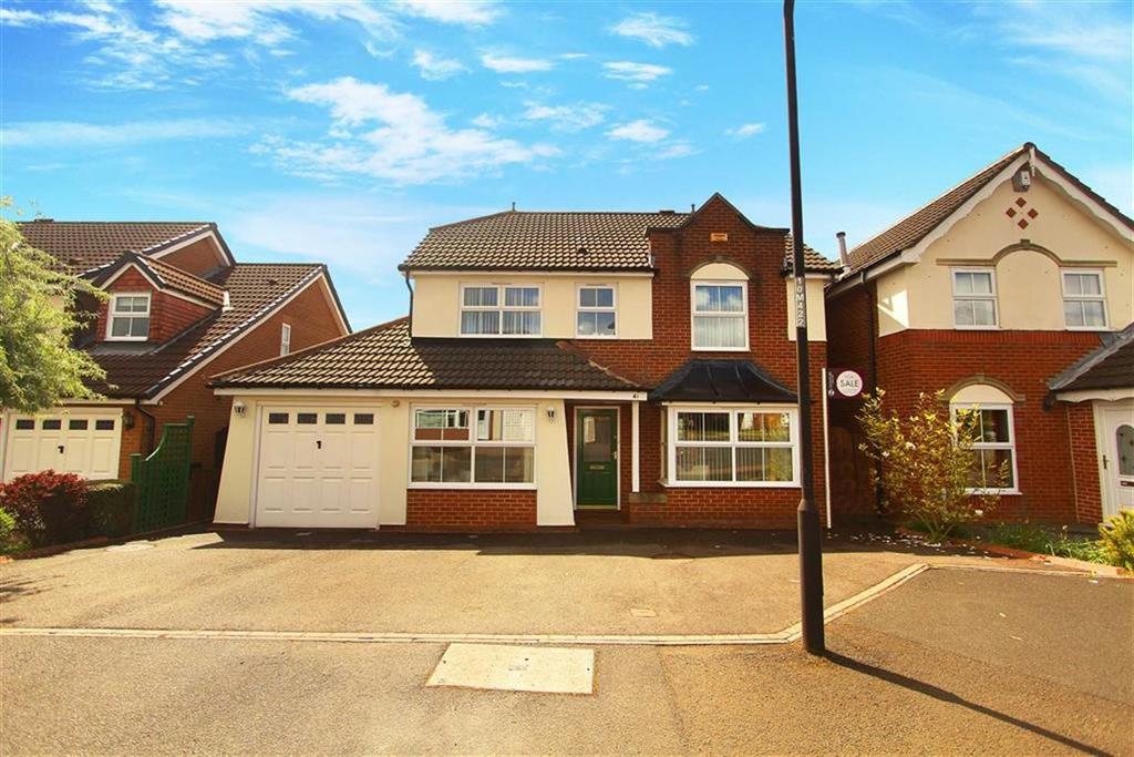 4 Bedrooms Detached House for sale in Manorfields, Benton
