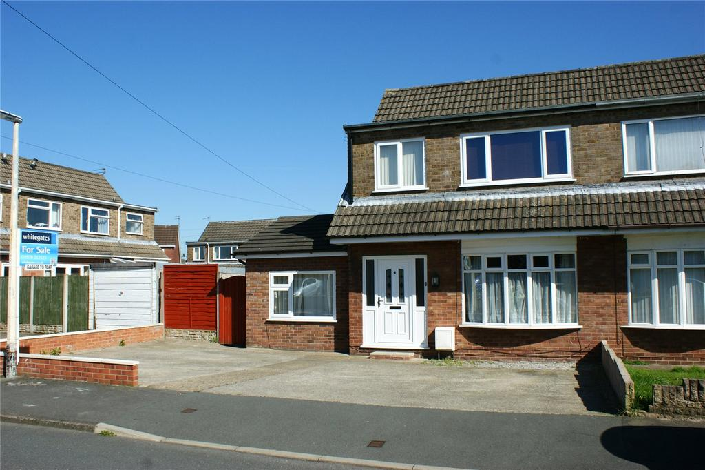 4 Bedrooms Semi Detached House for sale in Beech Avenue, Bradley, Wrexham, LL11