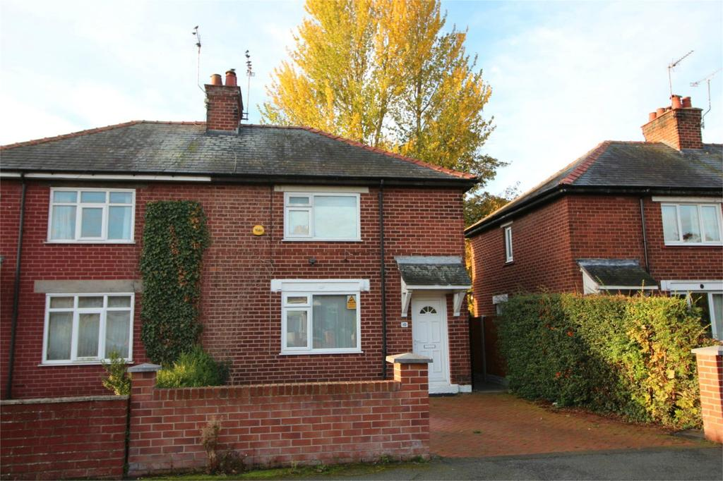 3 Bedrooms Semi Detached House for sale in Belvedere Drive, Wrexham, LL11
