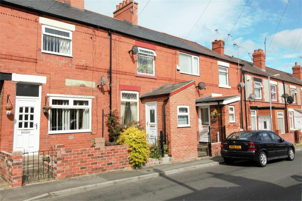 2 Bedrooms Terraced House for sale in Coronation Cottages, New Road, Southsea, Wrexham, LL11
