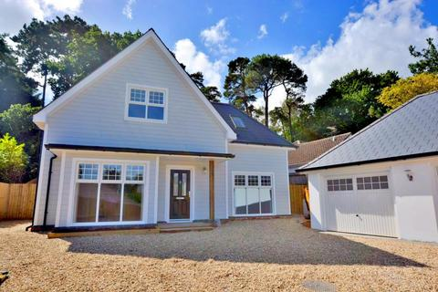 4 bedroom detached house for sale - Lilliput, Poole, BH14