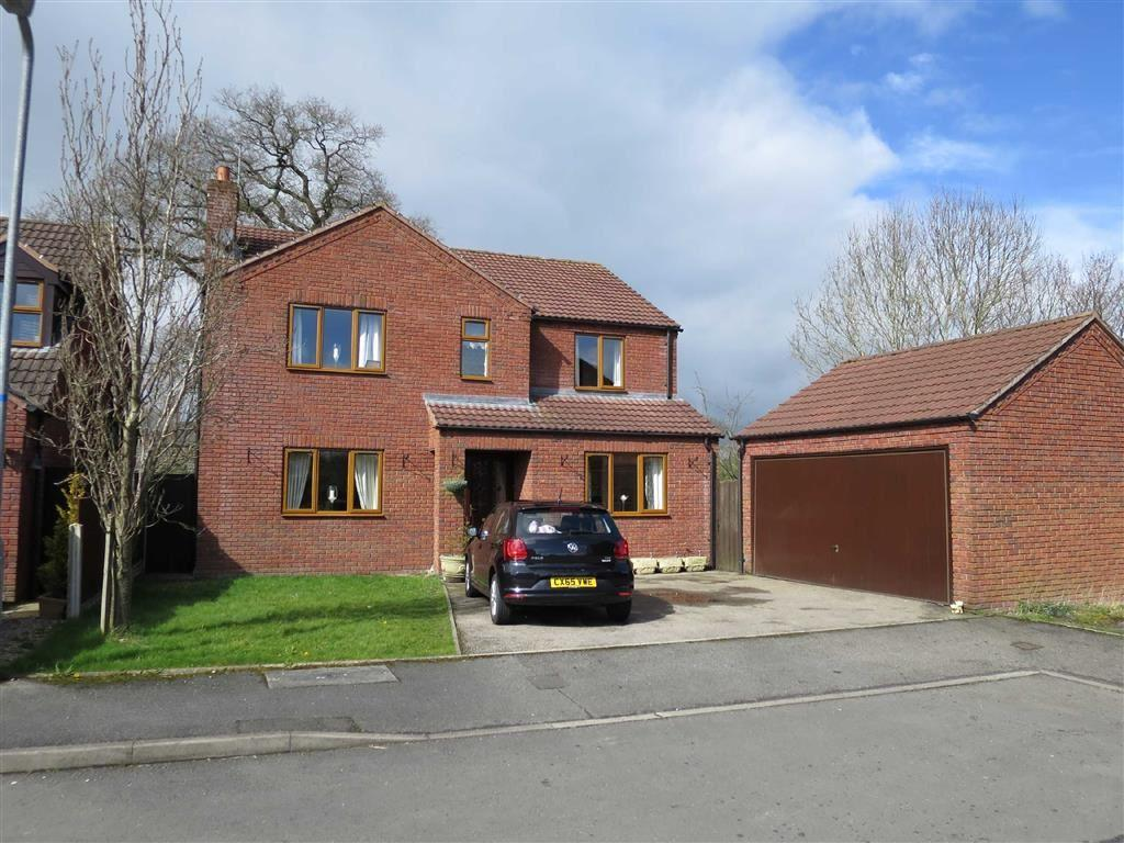 4 Bedrooms Detached House for sale in Oakfield Close, Bronington, SY13
