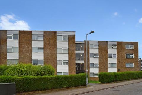 Studio to rent - Dellfield Court, Handcross Road, Luton, LU2 8JJ