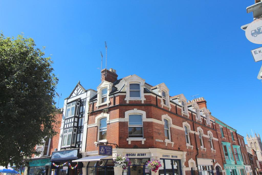 3 Bedrooms Flat for sale in Market Place, Glastonbury