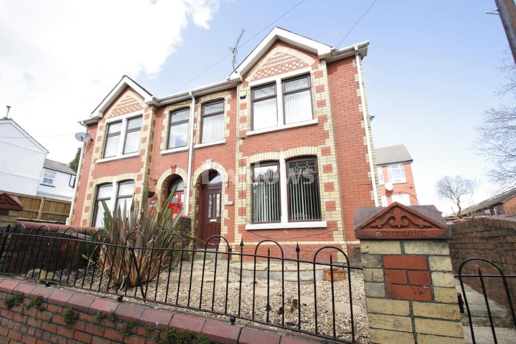 3 Bedrooms Semi Detached House for sale in Old Lane, Abersychan