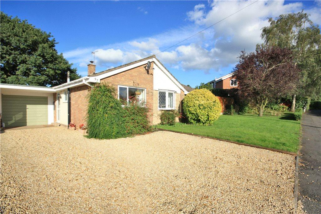 3 Bedrooms Bungalow for sale in Manor Road, Clifton-on-Teme, Worcester, Worcestershire, WR6
