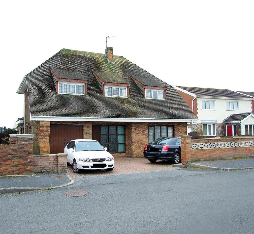 3 Bedrooms Detached House for sale in Maenor Helyg, Pembrey, Llanelli