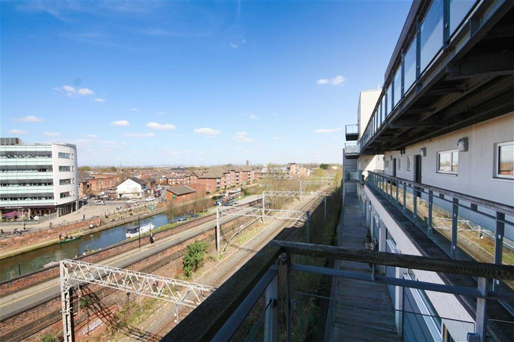 2 Bedrooms Apartment Flat for sale in Broad Road, Sale