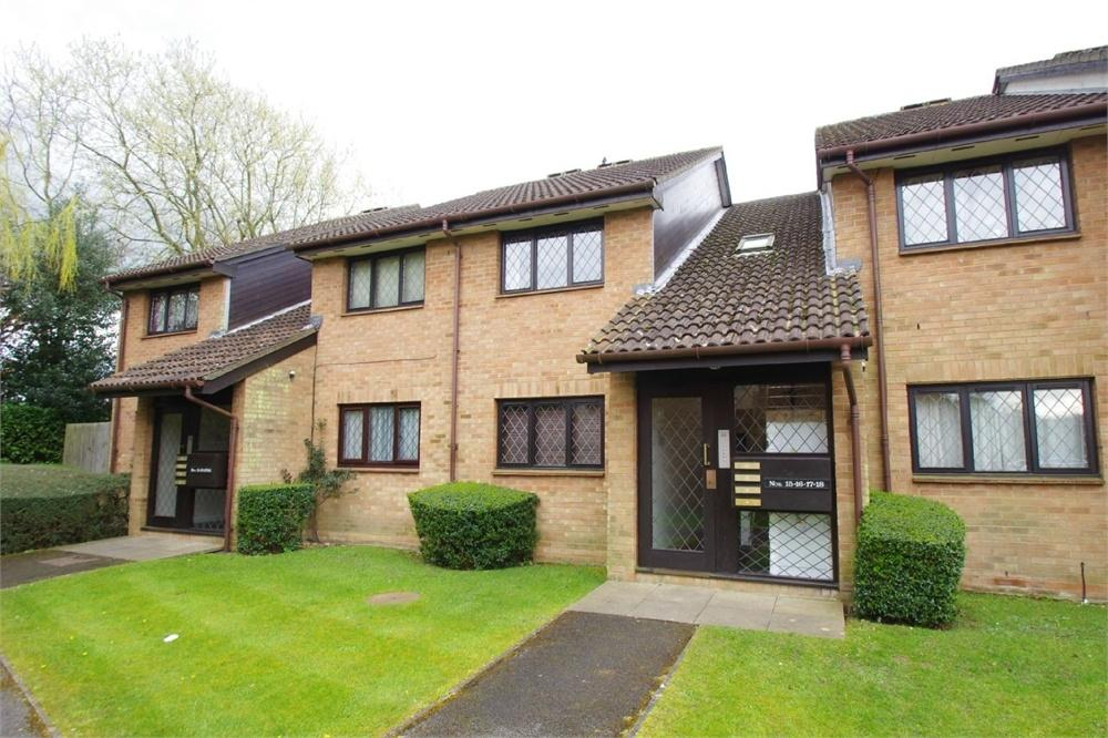 1 Bedroom Flat for sale in Grasmere Close, WATFORD, Hertfordshire