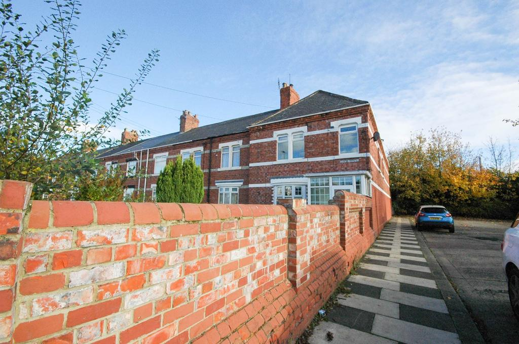 4 Bedrooms Semi Detached House for sale in The Terrace, North Road, Boldon Colliery