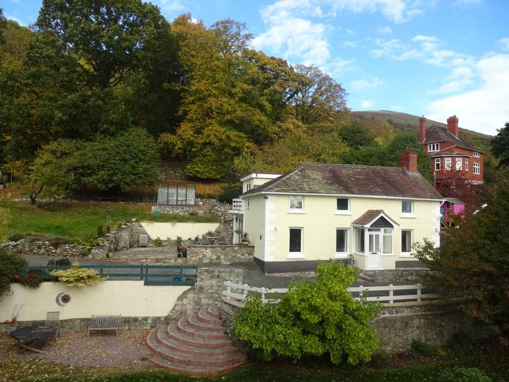4 Bedrooms Detached House for sale in Middletown, Welshpool, Powys