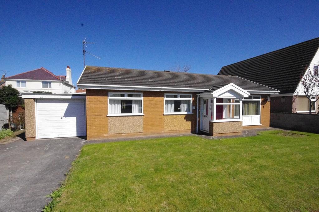 3 Bedrooms Detached Bungalow for sale in Seabank Drive, Prestatyn