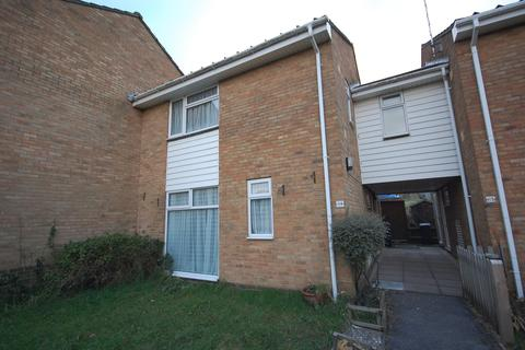 4 bedroom semi-detached house to rent - Stanmore
