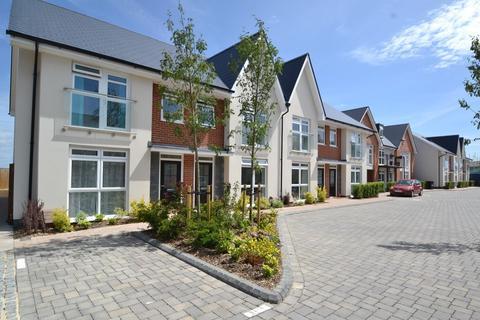 3 bedroom terraced house to rent - Hamworthy