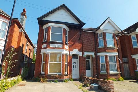 5 bedroom semi-detached house to rent - Polygon