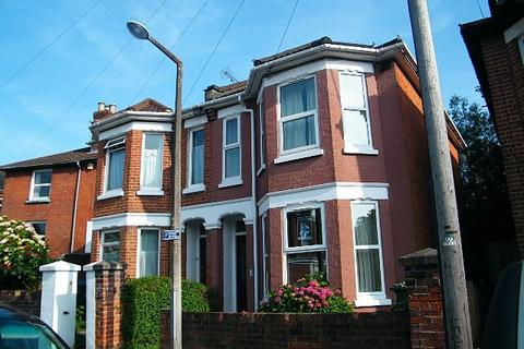 4 bedroom house to rent - Polygon