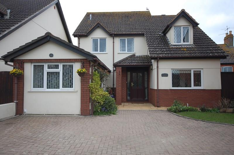 4 Bedrooms Detached House for sale in Holcombe Road, HOLCOMBE