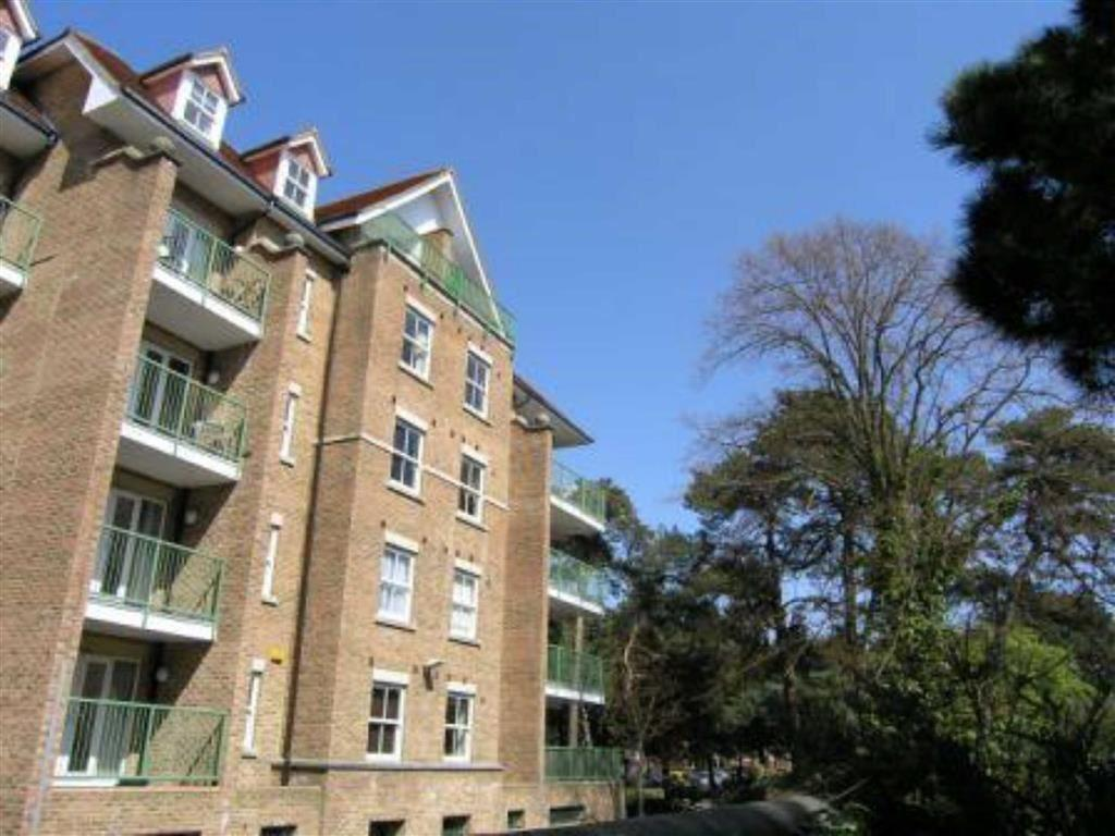 2 Bedrooms Flat for sale in Gervis Road, East Cliff, Bournemouth, Dorset, BH1