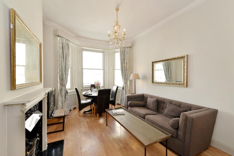 2 Bedrooms Flat for sale in Stanhope Gardens, South Kensington, London, SW7