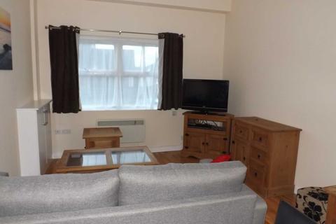 2 bedroom ground floor flat to rent - High Street, Rhosneigr