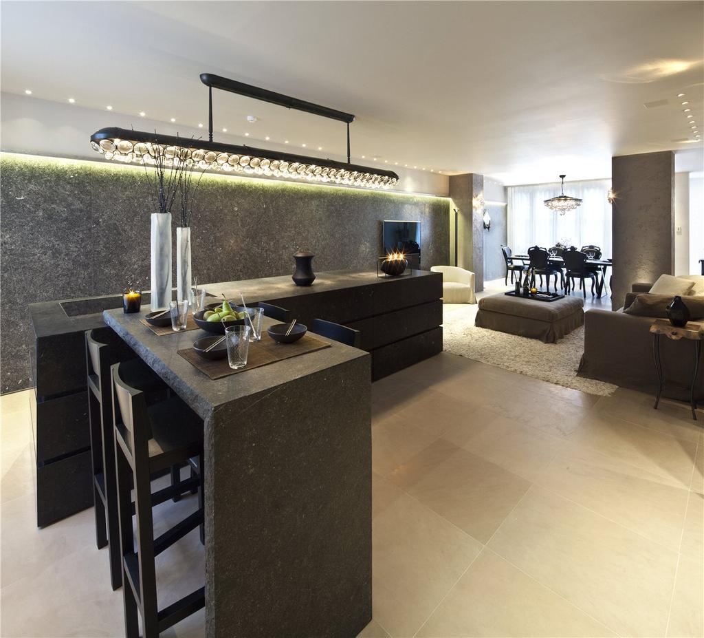 4 Bedrooms Terraced House for sale in South Terrace, Knightsbridge, London