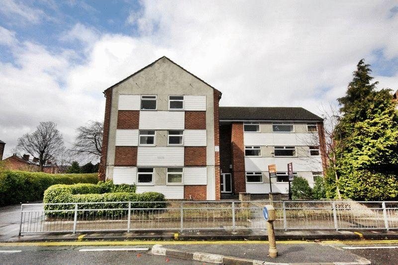 1 Bedroom Apartment Flat for sale in Old Hall Road, Sale