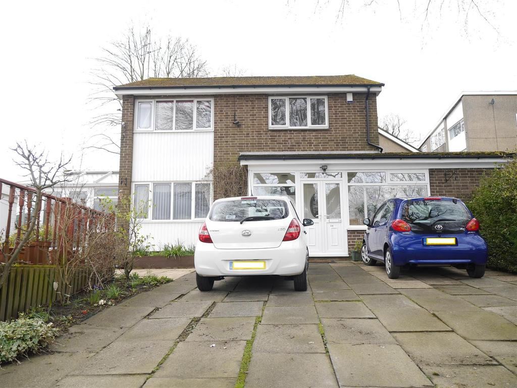 4 Bedrooms Detached House for sale in Park Road, Eccleshill, Bradford, BD10 8AS