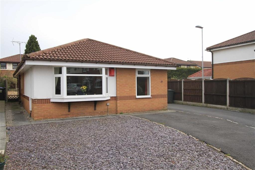 3 Bedrooms Detached Bungalow for sale in 13, Christopher Acre, Norden, Rochdale, OL11