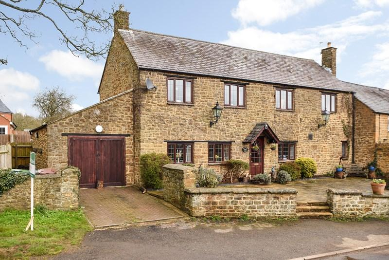 6 Bedrooms Semi Detached House for sale in Milcombe, Banbury