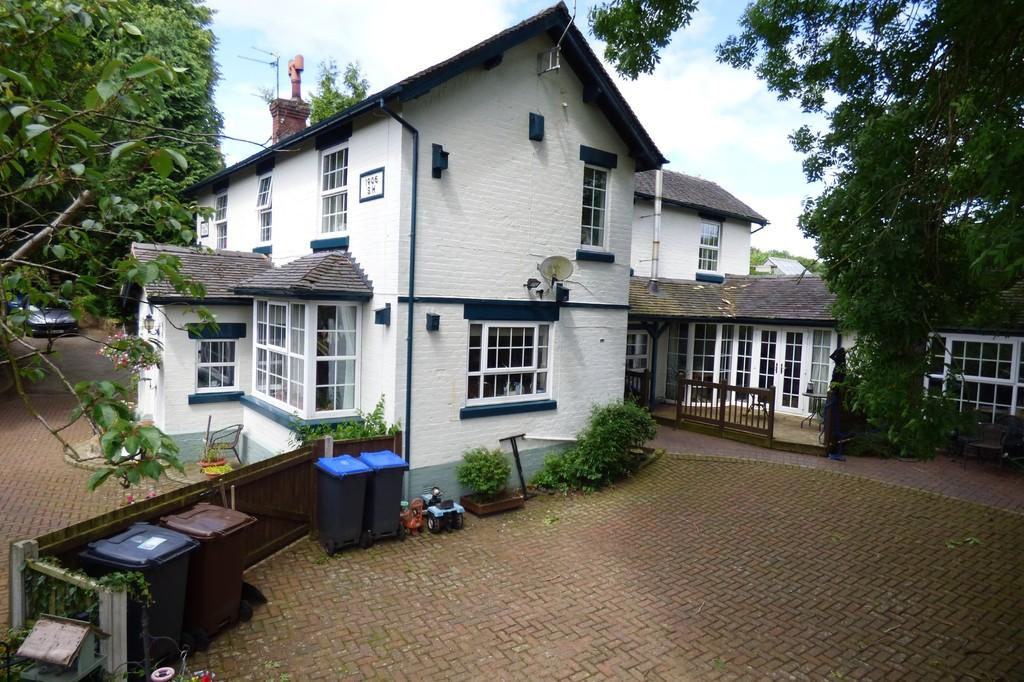 5 Bedrooms Detached House for sale in Commonside Lane, Boundary