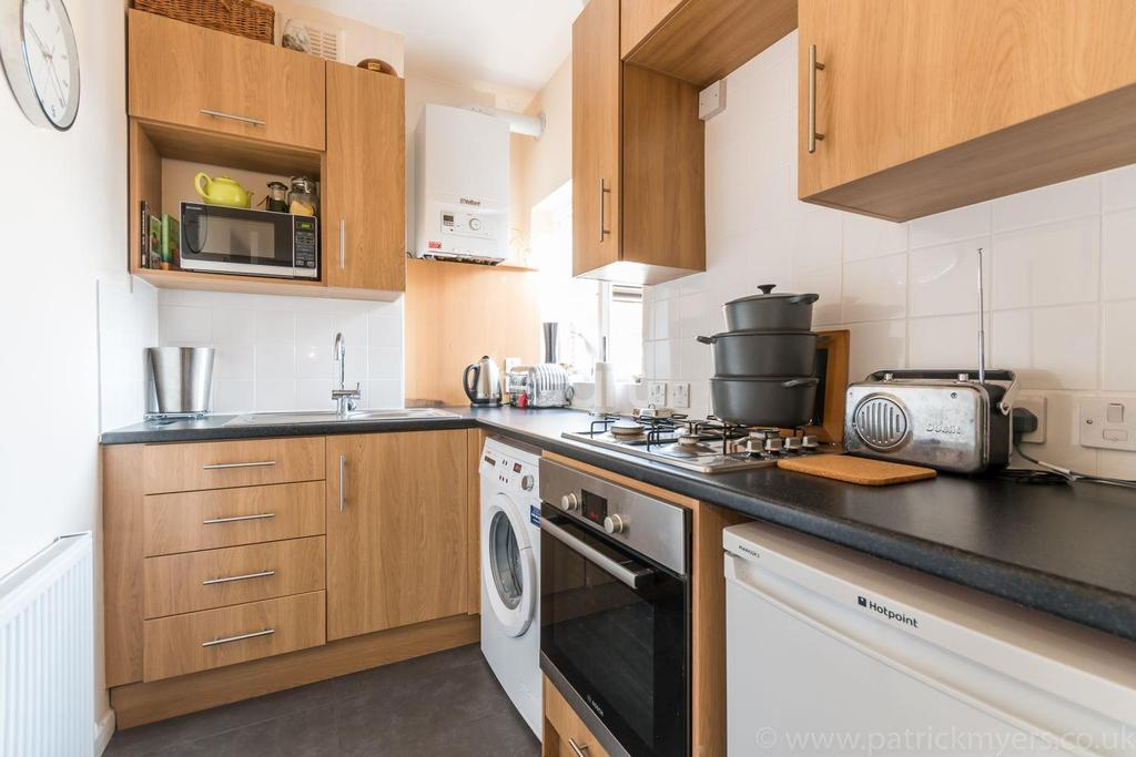 2 Bedrooms Flat for sale in Honor Oak Mansions, Underhill Road, London, SE22