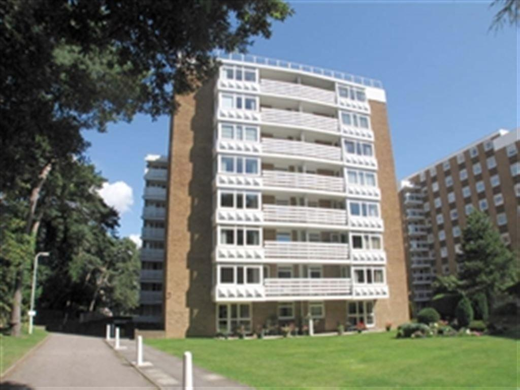 2 Bedrooms Flat for rent in Roslin Hall, 6 Manor Road, Bournemouth, Dorset