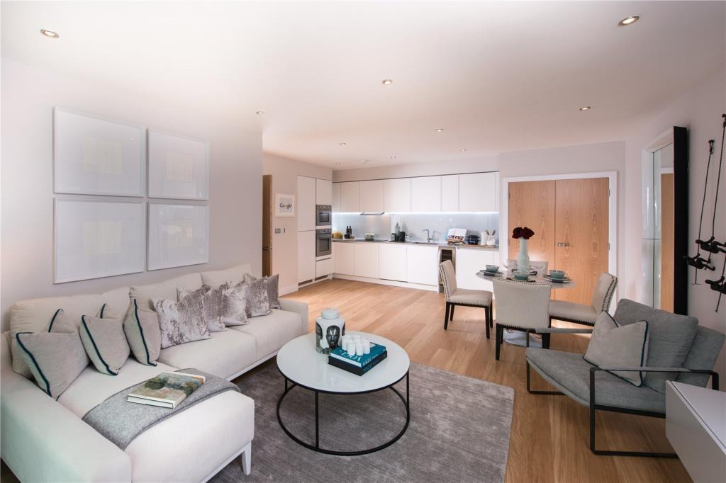 3 Bedrooms Flat for sale in Apt 42, 500 Chiswick High Road, Chiswick, London, W4