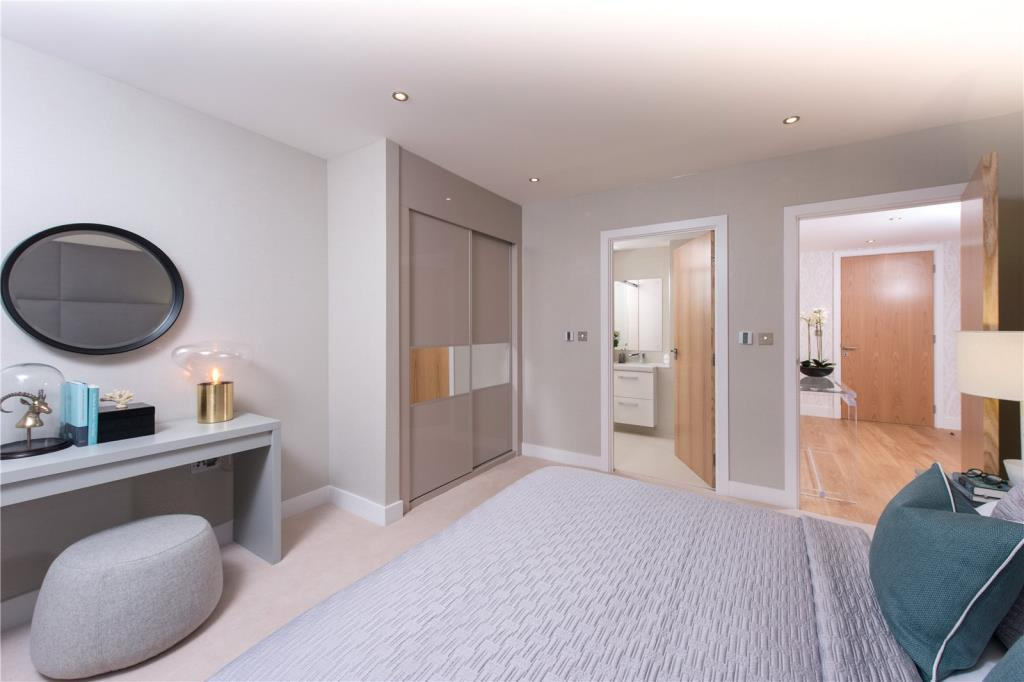 2 Bedrooms Flat for sale in Apt 10, 500 Chiswick High Road, Chiswick, London, W4