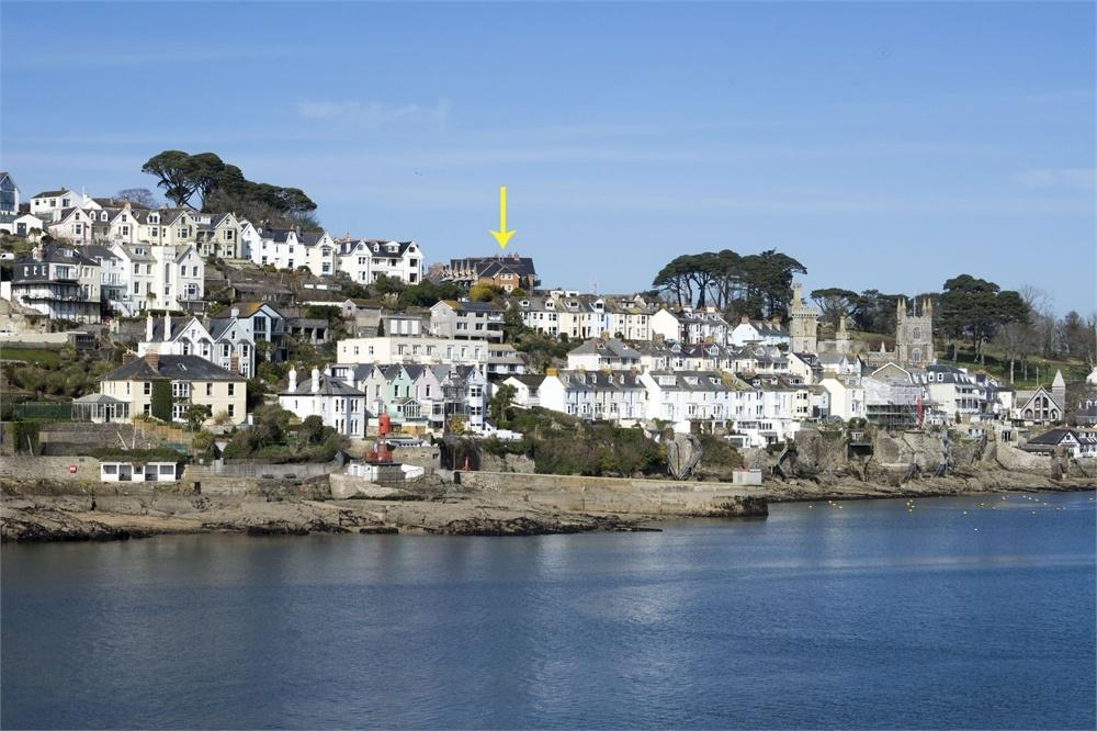 4 Bedrooms End Of Terrace House for sale in 1 Troy Court, FOWEY
