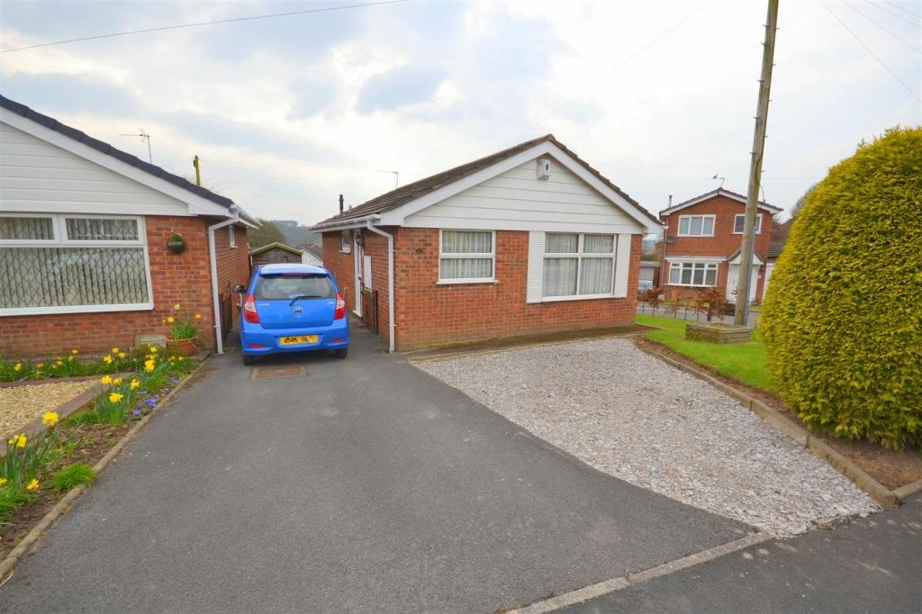 2 Bedrooms Detached Bungalow for sale in Ferndown Drive, Clayton, Newcastle under lyme