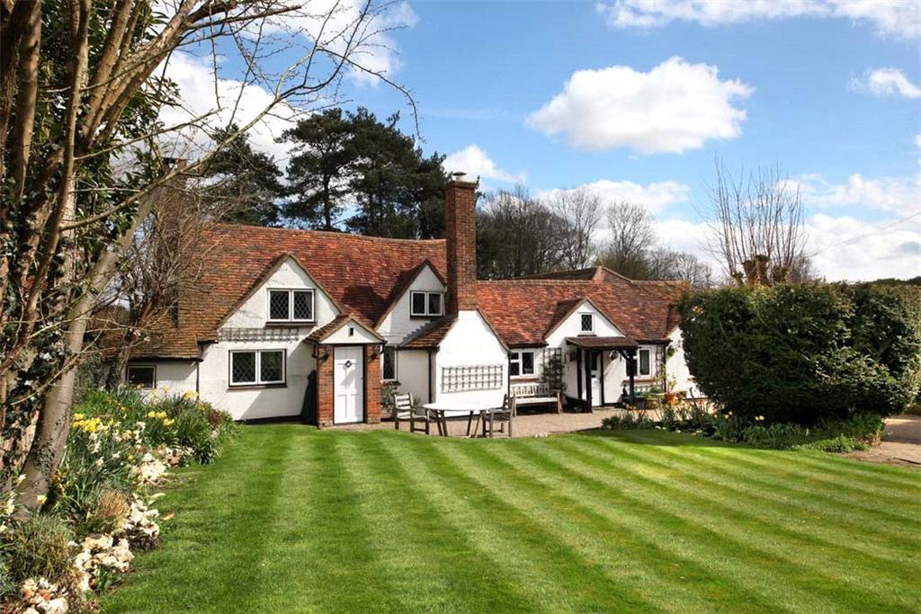 5 Bedrooms Detached House for sale in Woodrow, Amersham, Buckinghamshire, HP7
