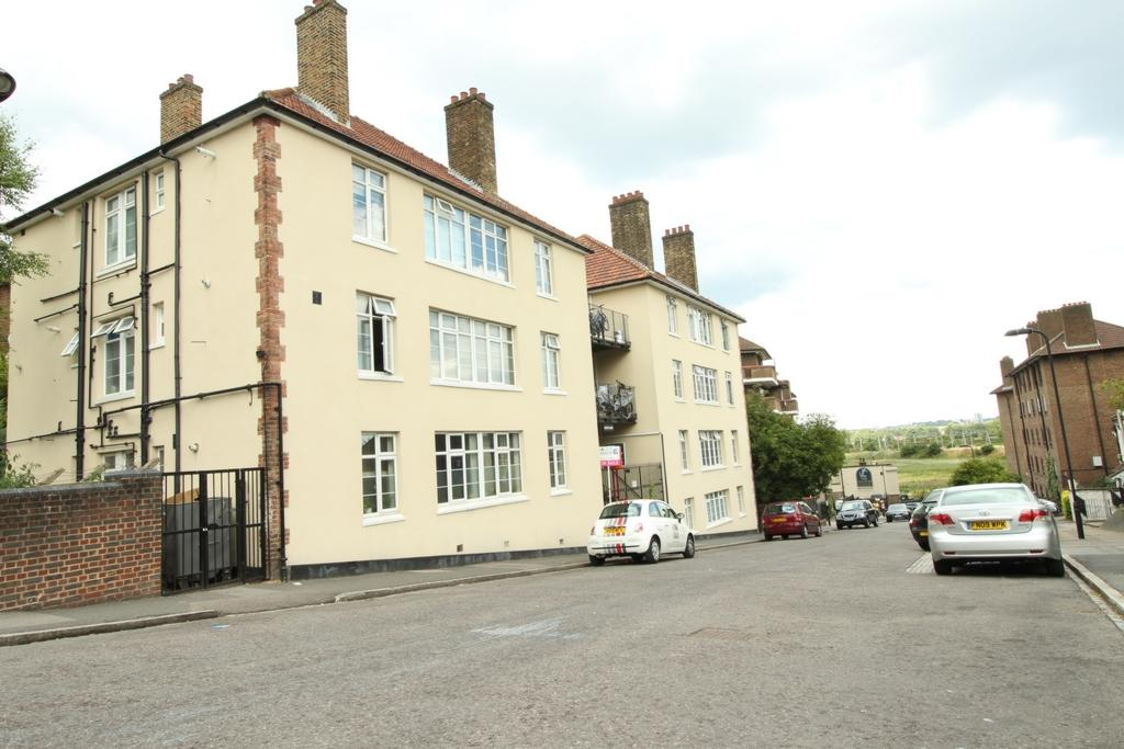 2 Bedrooms Flat for sale in Courtlands, Harrington Hill, Clapton, E5
