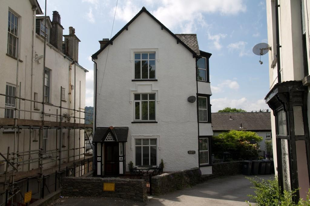 4 Bedrooms End Of Terrace House for sale in Woodside, Bank Road, Bowness on Windermere, Cumbria, LA23 2JW