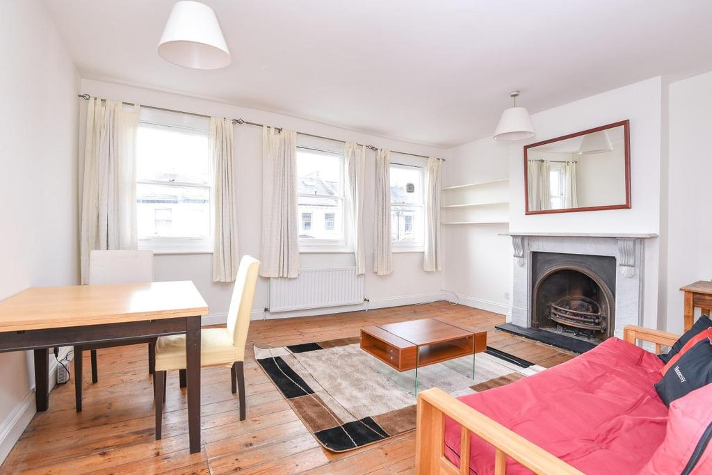 2 Bedrooms Flat for sale in Tournay Road, Fulham
