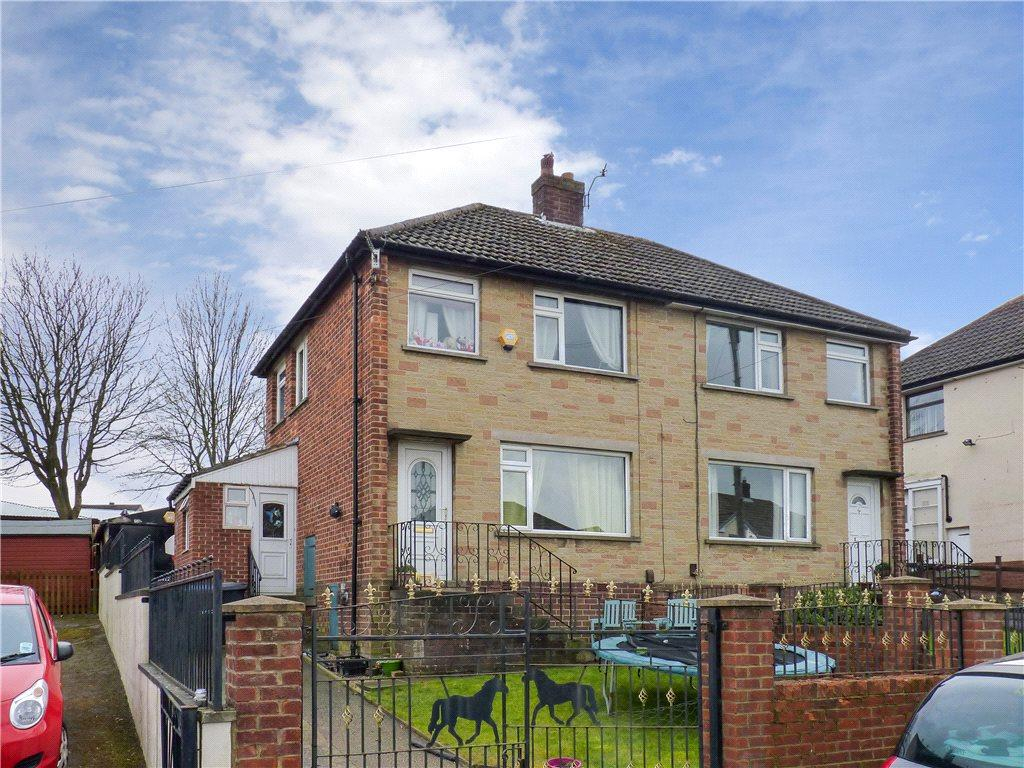 3 Bedrooms Semi Detached House for sale in Westburn Avenue, Keighley, West Yorkshire