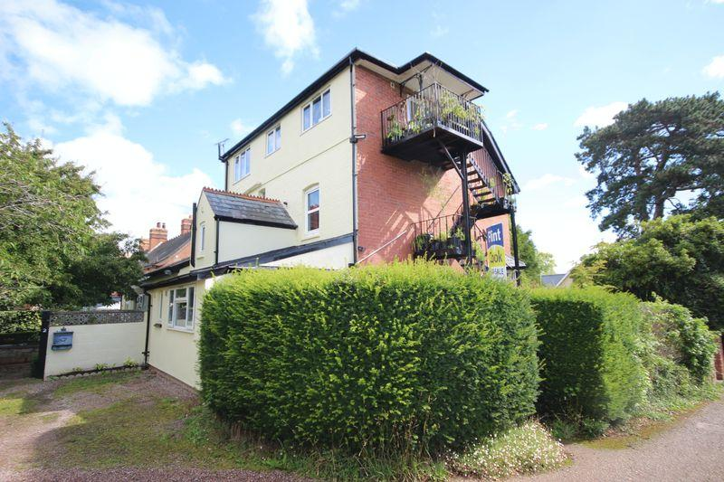1 Bedroom Ground Flat for sale in Ross-on-Wye