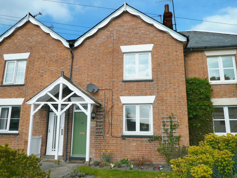 3 Bedrooms Cottage House for sale in PIKESCOTTAGE52HIGHSTREETHEYTESBURY