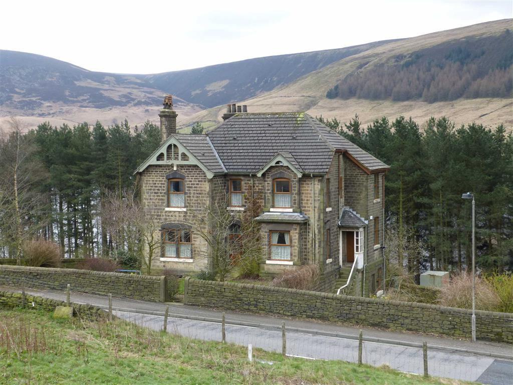 4 Bedrooms Detached House for sale in Torside, Glossop