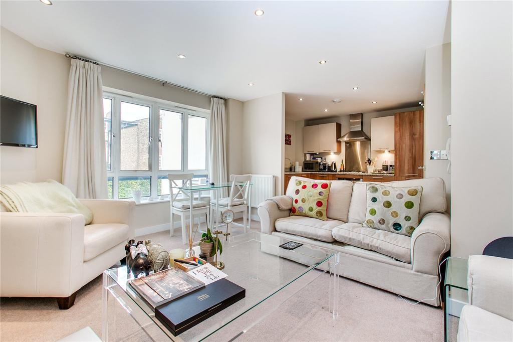 2 Bedrooms Flat for sale in Kelvedon Road, Parsons Green, London