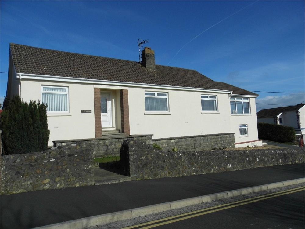 4 Bedrooms Detached Bungalow for sale in Pen Cemaes, Penbanc, Fishguard, Pembrokeshire